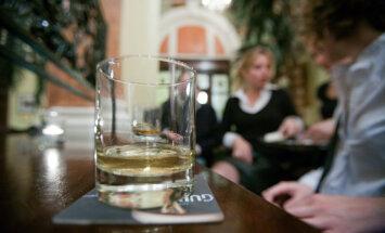 Īrijā uz grādīgo dzērienu iepakojuma būs jābrīdina, ka alkohols var izraisīt vēzi