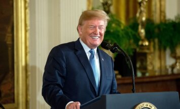 ASV Augtākā tiesa atzīst par likumīgu Trampa iebraukšanas aizliegumu no musulmaņu zemēm