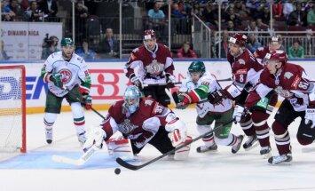 Rīgas 'Dinamo' zaudē 'Ak Bars' un vēl neiekļūst 'Latvijas Dzelzceļa' kausa finālā