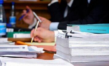 Tiesa 'Daimler' krimināllietas materiāliem pievieno pretrunīgu dokumentu, uzskata prokurore
