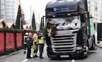 Uzbrukums Berlīnē: Auto bremzēšanas sistēma novērsusi lielāku traģēdiju