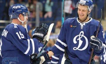 Indrašis un Kalniņš nodrošina Maskavas 'Dinamo' un 'Jokerit' uzvaras KHL spēlēs