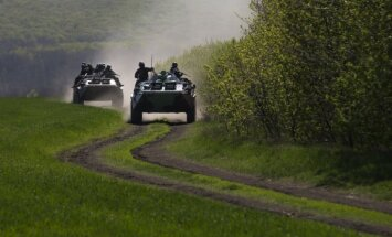 Ukrainas pretterorisma spēki diennakts laikā iznīcinājuši apmēram simt teroristus
