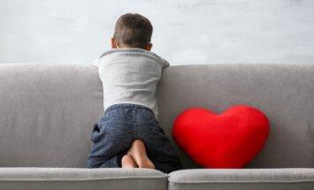 Rīgā šogad no ģimenēm šķirti 53 bērni; lems par Ziepniekkalna zēnu
