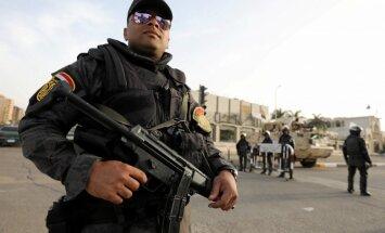 Ēģiptē noticis asiņains uzbrukums koptu kristiešu autobusam