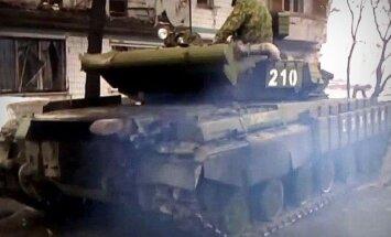 Video: Prokrieviskie teroristi jūsmo par Krievijas piegādāto tanku