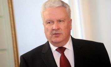 Dūklavs: ar Dvorkoviču parunājām par futbolu, pagaršojām pa reņģītei