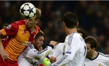 UEFA Čempionu līga: 'Real Madrid' - 'Galatasaray' (1:3) un 'Malaga' - 'Borussia Dortmund' (2:3) (LIVE)
