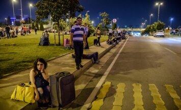 Apšaudē un sprādzienos Stambulas lidostā nogalināti 36 cilvēki (plkst. 8:10)