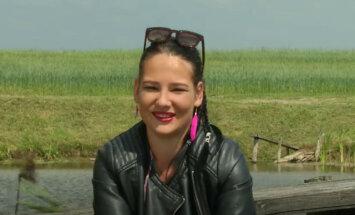 Šovu 'Lauku sēta' pamet skandalozā Aija Dembovska