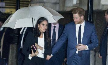 Foto: Prinča Harija līgava melnā uzvalkā nodemonstrē stila paraugstundu