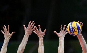 Latvijas U-21 volejbolisti PČ kvalifikācijā sper soli tuvāk pēdējai kārtai; U-20 volejbolistes zaudē