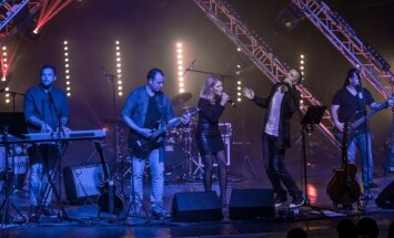 Foto: Grupa 'Tumsa' Jelgavā uzsāk 25 gadu jubilejas turneju