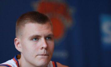 Porziņģis nepiedalās 'Knicks' treniņā un ir apdraudēta viņa dalība nākamajā mačā
