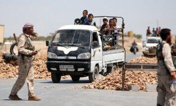 No aplenktas pilsētas Sīrijā evakuē 620 nemierniekus