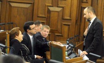 Saeima atbalsta 2015.gada budžetu; Ukrainas krīze 'izcirpusi' 100 miljonu eiro robu
