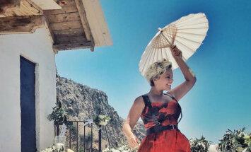 Linda Leen iepriecina ar jutekliski vasarīgu foto