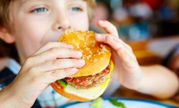 Kas jādara šodien, lai bērns nekad nesaskartos ar aptaukošanās problēmām: pediatra ieteikumi