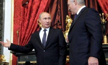 Ukrainas invāzijas plānotāji grib gāzt arī Lukašenko, uzskata Pols Goubls