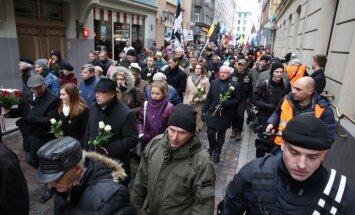 Foto un video: Leģionāru piemiņas pasākumu kaislības Rīgā