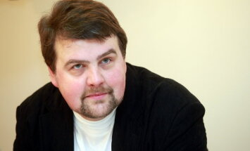 Senatoru Makeinu Krievija uztver nopietni, atzīst politologs
