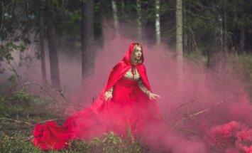 Daugavpils teātrī top izrāde bērniem – 'Sarkangalvīte un pasaku mežs'