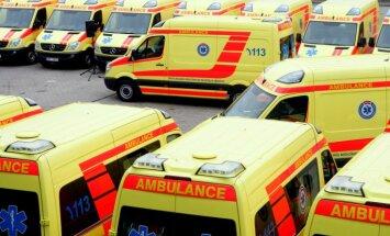 Slēgs 60 miljonu eiro līgumu par ātrās palīdzības automašīnu un šoferu nodrošināšanu Rīgā
