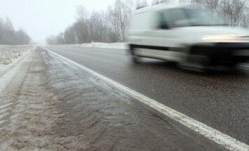 Mikroautobusa un baļķvedēja sadursmē Krievijā desmit bojāgājušie