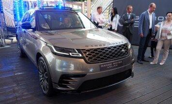 Foto: Latvijā prezentēts jaunais 'Range Rover Velar' apvidnieks