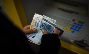 No Latvijas 2011.gadā nelegālā ceļā aizplūduši 4,06 miljardi ASV dolāru