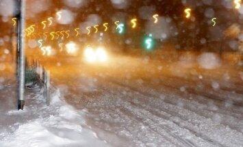 Brīdina par stipru snigšanu naktī Kurzemē, Zemgalē un Latgalē