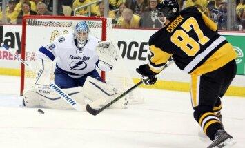 Gudļevskis atkal 'Lightning' rezervē; Krosbijs pagarinājumā izrauj 'Penguins' uzvaru