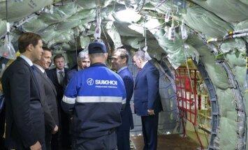 Medvedevs apskata Krievijas jaunākās paaudzes iznīcinātāja būvdarbus