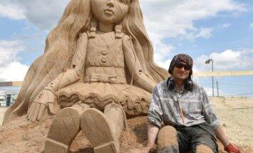 Foto: Latvijai otrā vieta 11. Starptautiskajā smilšu skulptūru festivālā