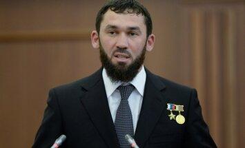 Čečenijas parlamenta spīkers noliedz apsūdzības par dalību geju spīdzināšanā