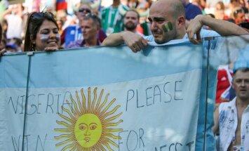 Argentīna lūdz deportēt savas valsts futbola līdzjutējus, kuri piekāva horvātu fanu