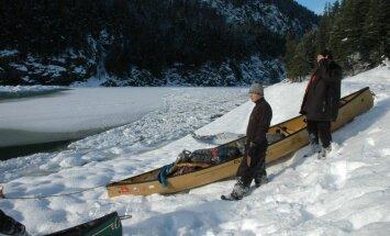Redzēt nāvi vaigā un atgriezties. Latviešu ceļotāju piedzīvojumi Kanādas ledainajās upēs (1. daļa)