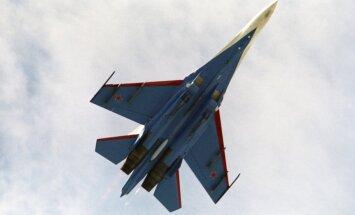 NATO lidmašīnas virs neitrālajiem ūdeņiem fiksē piecus Krievijas iznīcinātājus