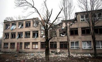 Karš Ukrainā nav beidzies - divi Ukrainas karavīri krituši, pieci ievainoti