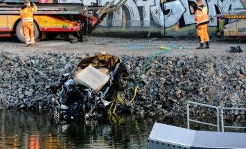 Stokholmā autoavārijā nositas britu mūziķi