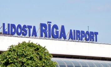 Sieviete piedzīvo nepatīkamu drošības pārbaudi lidostā 'Rīga'; izņēmumi netiek pieļauti