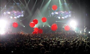 '30 Seconds to Mars' Rīgā pulcē gandrīz astoņus tūkstošus fanu