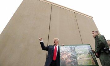 Tramps Meksikas robežsienu tomēr grib finansēt no Bruņoto spēku budžeta
