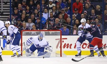 Toronto Maple Leafs goalie Frederik Andersen vs Columbus Blue Jackets