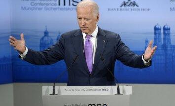 """Вице-президент США пригрозил России """"изоляцией и кризисом"""""""