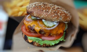 28. jūnijā Ķīpsalas pludmalē notiks bezmaksas burgeru pikniks