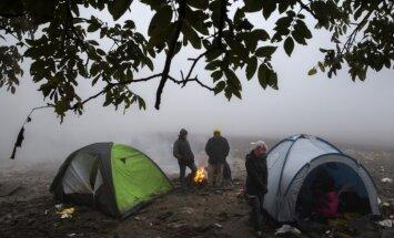 Pie Serbijas robežas ar Horvātiju apturēta migrantu grupa
