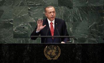 Turcijas tiesa lems par aizturētā ASV mācītāja likteni, paziņo Erdogans