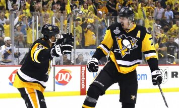 Evgeni Malkin Pittsburgh Penguins celebrates with Trevor Daley