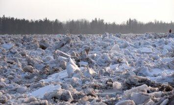 Вода в Плявиняс опустилась ниже критического уровня